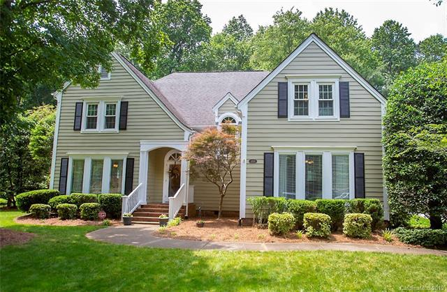 9924 Warwickshire Lane, Charlotte, NC 28270 (#3527186) :: Scarlett Real Estate