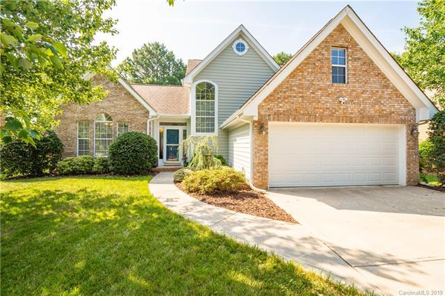 8407 Londonshire Drive, Charlotte, NC 28216 (#3527205) :: Francis Real Estate