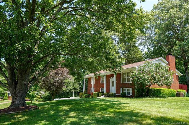 9 E Rolling Acres Drive, Weaverville, NC 28787 (#3527305) :: LePage Johnson Realty Group, LLC