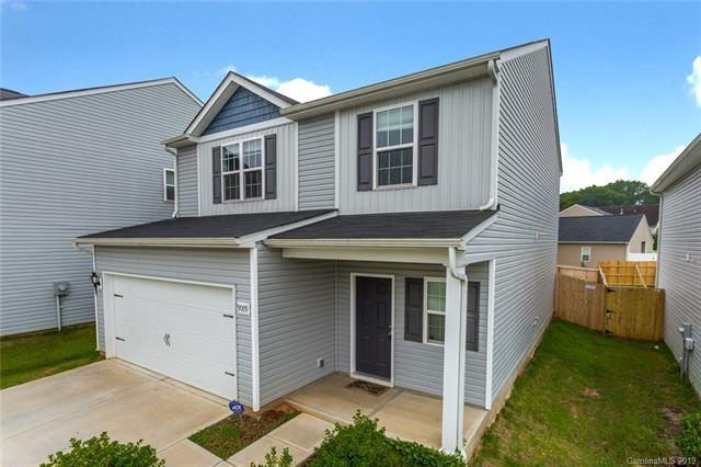 9009 Maidenhair Court, Charlotte, NC 28215 (#3527525) :: Caulder Realty and Land Co.