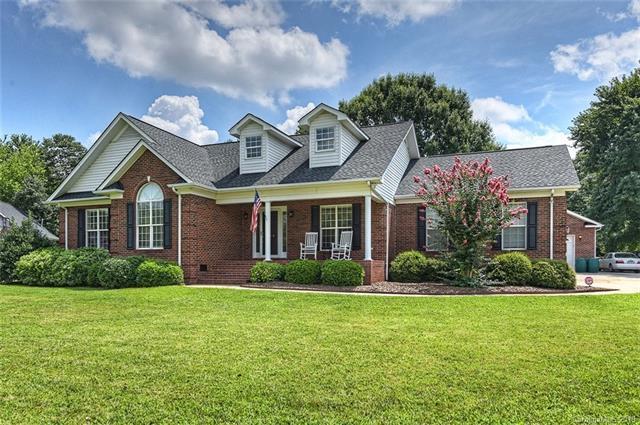 4804 Muscadine Lane, Monroe, NC 28110 (#3527765) :: Homes Charlotte
