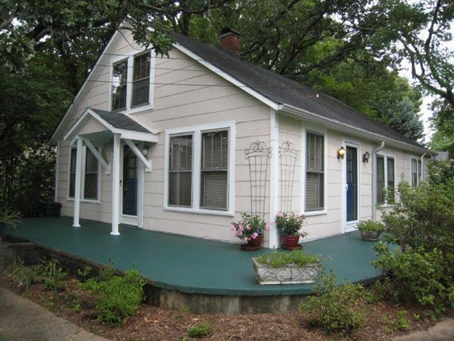 481 14th Avenue NE, Hickory, NC 28601 (#3528015) :: Mossy Oak Properties Land and Luxury