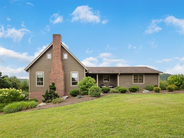 762 Crooked Creek Road, Hendersonville, NC 28739 (#3528026) :: Francis Real Estate