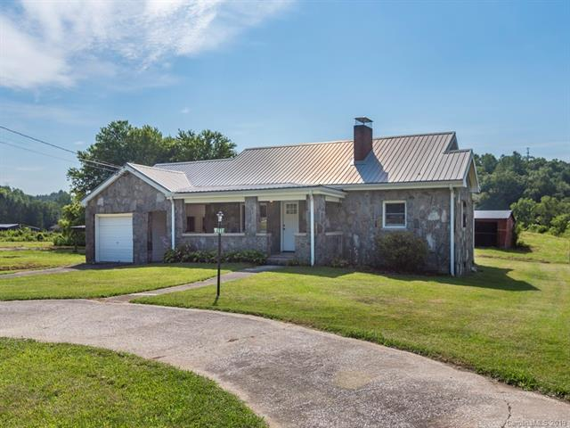 9485 Boylston Highway, Mills River, NC 28759 (#3528039) :: Chantel Ray Real Estate