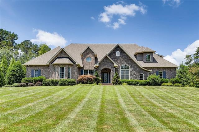 4046 Tanglewood Lane NE, Hickory, NC 28601 (#3528050) :: Carlyle Properties