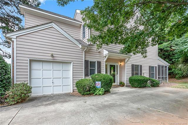 8723 Fox Chase Lane, Charlotte, NC 28269 (#3528285) :: High Performance Real Estate Advisors
