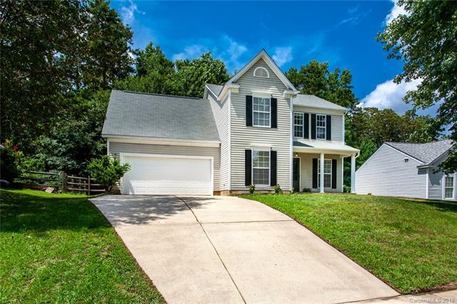 9902 Northwoods Forest Drive, Charlotte, NC 28214 (#3528614) :: Keller Williams South Park