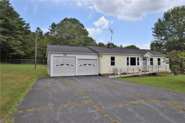 772 Hickory Airport Road - Photo 1