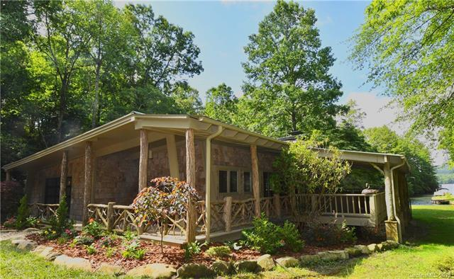 77 Island Point Road, Lake Toxaway, NC 28747 (#3529017) :: BluAxis Realty