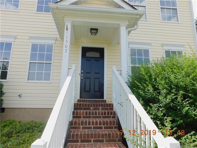 11507 Blue Lilac Lane, Charlotte, NC 28269 (#3529279) :: MartinGroup Properties