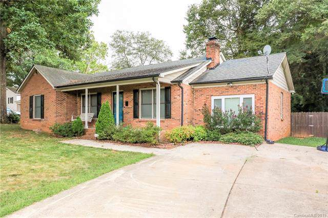 1111 Woodhaven Drive, Mount Holly, NC 28120 (#3529326) :: Keller Williams South Park