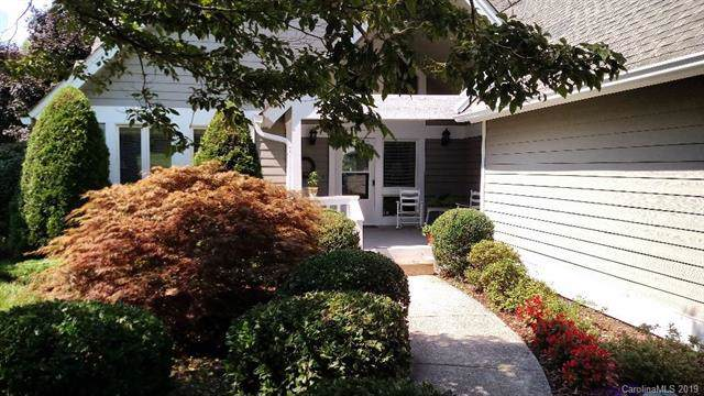 148 Overlook Drive, Flat Rock, NC 28731 (#3529382) :: BluAxis Realty