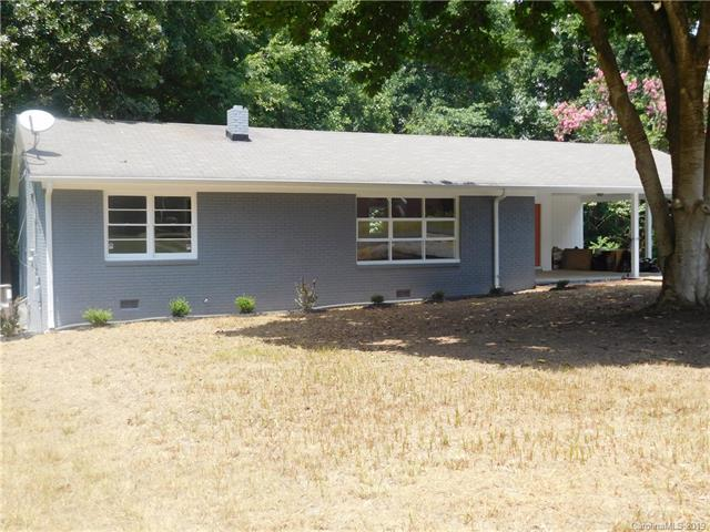 2322 Hedgewood Circle, Gastonia, NC 28052 (#3529418) :: Besecker Homes Team