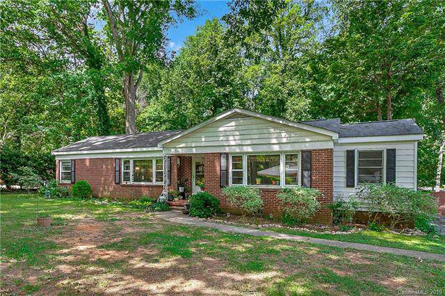 519 Stilwell Oaks Circle, Charlotte, NC 28212 (#3529421) :: Rinehart Realty