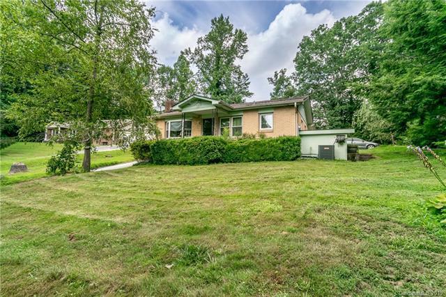 106 Elden Street, Hendersonville, NC 28791 (#3529495) :: Rinehart Realty