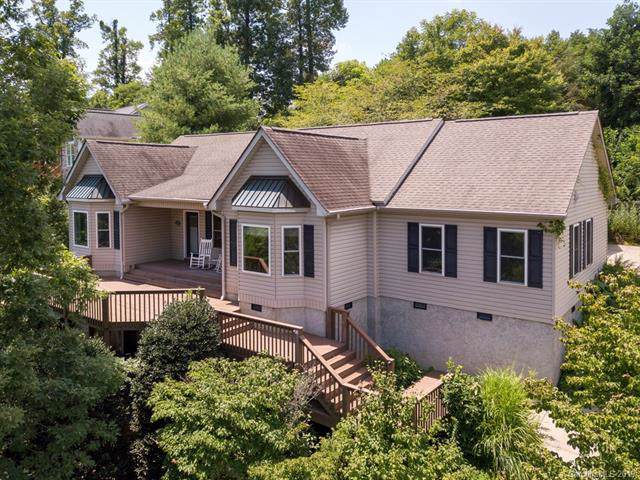 1411 Woodsong Drive, Hendersonville, NC 28791 (#3529628) :: Keller Williams Professionals