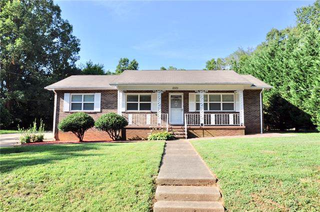 2571 12th Avenue SW, Hickory, NC 28602 (#3529764) :: Scarlett Real Estate