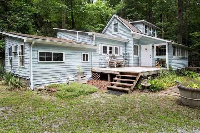 1076 Crab Creek Road, Hendersonville, NC 28739 (#3529999) :: Carver Pressley, REALTORS®