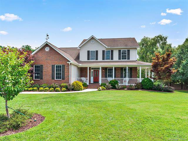 62 Classic Oaks Circle, Hendersonville, NC 28792 (#3530090) :: Chantel Ray Real Estate