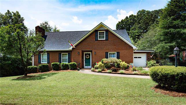 305 Sharon Avenue, Lenoir, NC 28645 (#3530103) :: Besecker Homes Team
