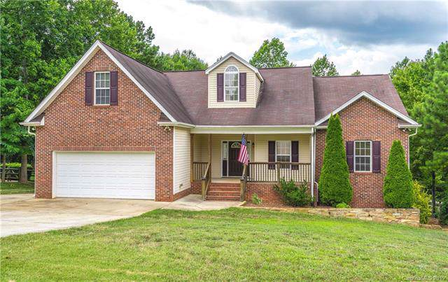 152 Gray Cliff Drive, Mooresville, NC 28117 (#3530137) :: The Elite Group