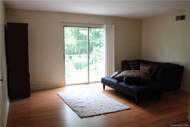 700 Farmhurst Drive T, Charlotte, NC 28217 (#3530276) :: Rinehart Realty