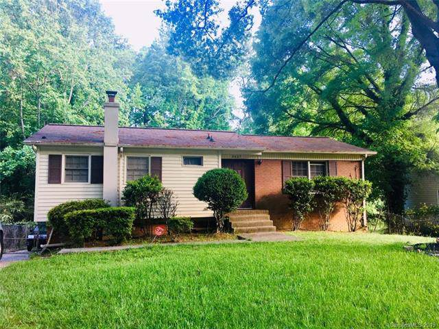 5627 Southampton Road, Charlotte, NC 28217 (#3530288) :: Robert Greene Real Estate, Inc.