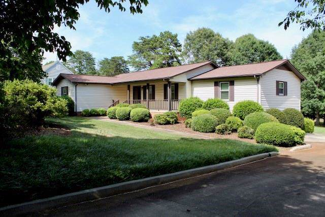 1747 Fairway Drive, Newton, NC 28658 (#3530387) :: Washburn Real Estate
