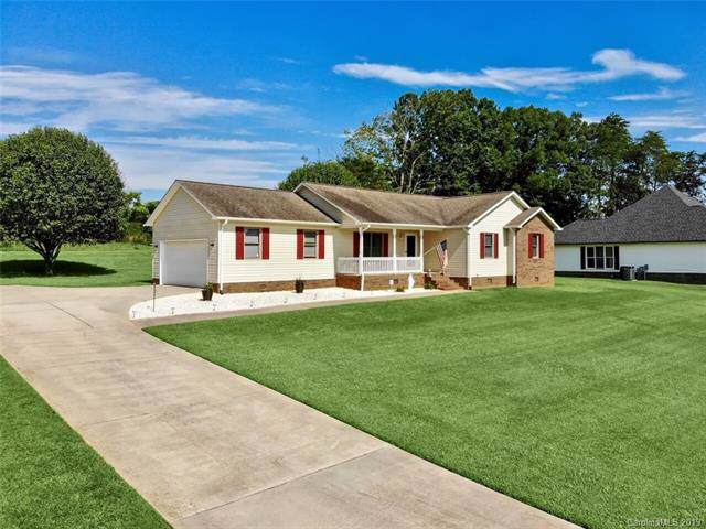 137 Rumple Hill Drive, Statesville, NC 28677 (#3530391) :: Cloninger Properties