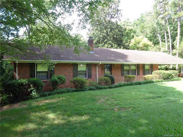 9001 Whispering Pines Lane, Charlotte, NC 28217 (#3530535) :: Keller Williams South Park