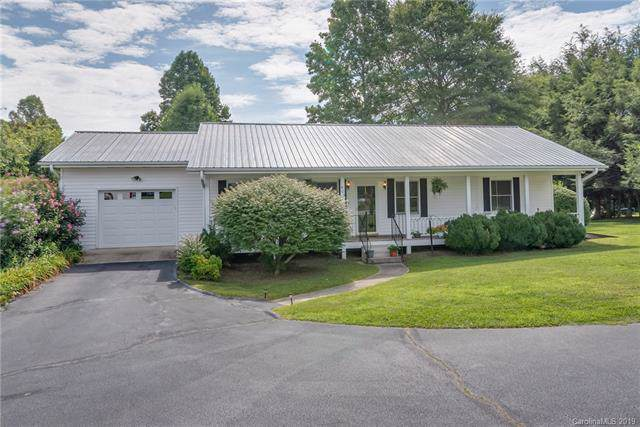 402 Ridge Road, Hendersonville, NC 28792 (#3530553) :: Keller Williams Professionals