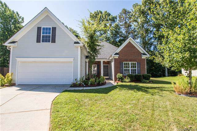 2710 Oakdale Pasture Drive, Charlotte, NC 28216 (#3530594) :: Miller Realty Group