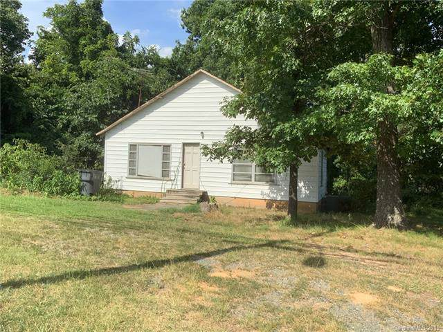 9410 Mallard Creek Road, Charlotte, NC 28262 (#3530616) :: Rinehart Realty