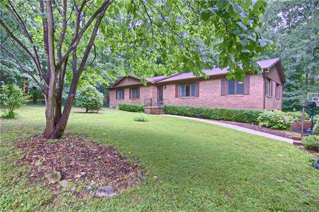 14 Surrey Run, Hendersonville, NC 28791 (#3530654) :: Francis Real Estate