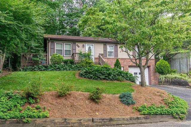 1805 Lower Ridgewood Boulevard, Hendersonville, NC 28791 (#3530664) :: Keller Williams South Park