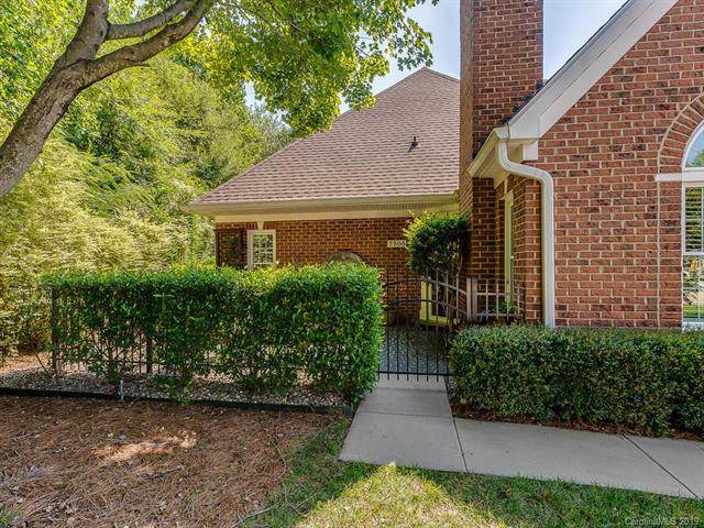 7505 Hurstbourne Green Drive, Charlotte, NC 28277 (#3530707) :: The Premier Team at RE/MAX Executive Realty