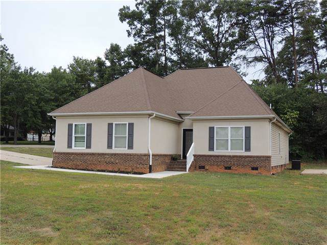 3362 Anderson Mountain Road, Maiden, NC 28650 (#3530885) :: Cloninger Properties