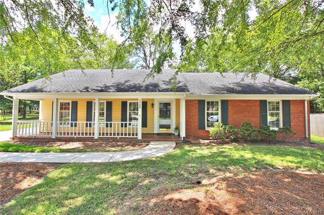 7548 Yellow Pine Court, Charlotte, NC 28277 (#3530957) :: The Elite Group