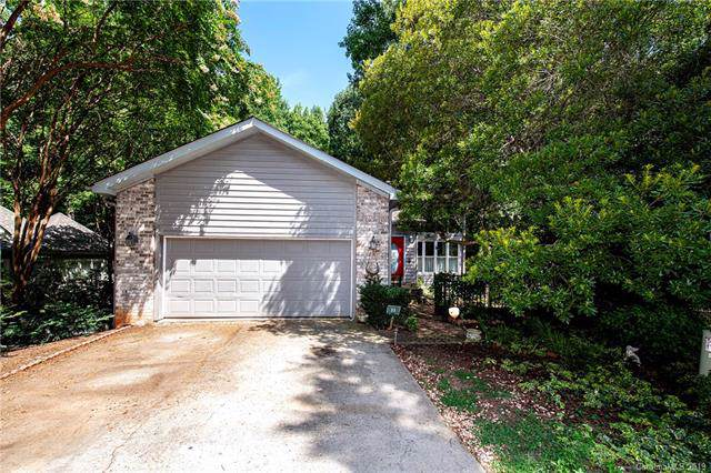 11 Shipmaster Court, Lake Wylie, SC 29710 (#3531308) :: Rowena Patton's All-Star Powerhouse