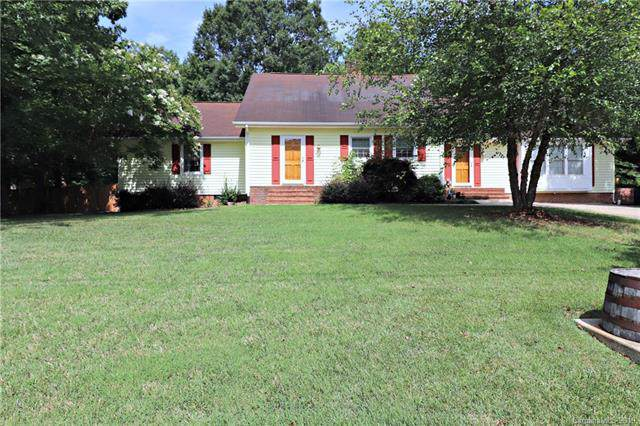 4828 Chadwick Drive, Concord, NC 28025 (#3532039) :: The Premier Team at RE/MAX Executive Realty