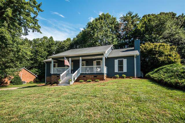 221 31st Avenue Court NE, Hickory, NC 28601 (#3532067) :: RE/MAX RESULTS
