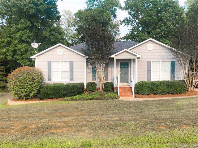 2052 Forest Creek Drive, Rock Hill, SC 29730 (#3532160) :: The Elite Group