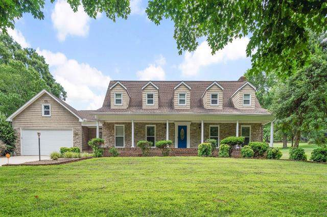 3622 Mulligan Drive NE, Conover, NC 28613 (#3532639) :: Charlotte Home Experts