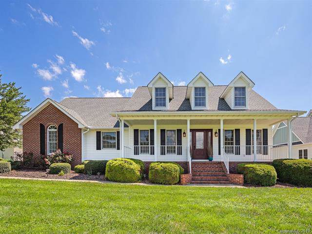 6 Willow Bend Drive, Candler, NC 28715 (#3533440) :: Exit Realty Vistas