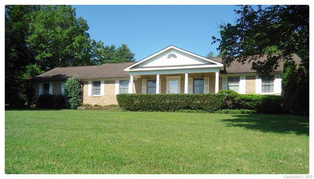 505 Crooked Creek Road, Hendersonville, NC 28739 (#3534133) :: Roby Realty
