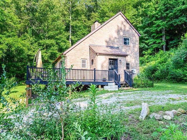 136 Chestnut Creek Road, Candler, NC 28715 (#3535169) :: Rinehart Realty