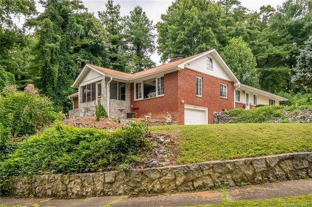 1035 Sylvan Boulevard, Hendersonville, NC 28791 (#3535712) :: Keller Williams Professionals