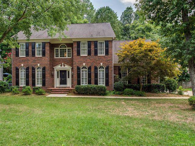 5517 Providence Glen Road, Charlotte, NC 28270 (#3536225) :: Besecker Homes Team