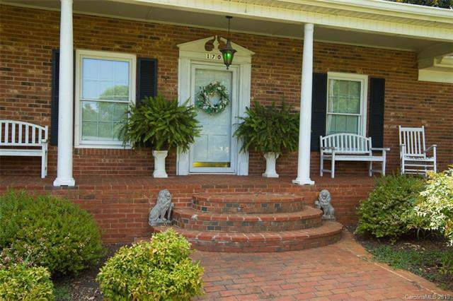 1701 Kenmore Drive, Statesville, NC 28625 (#3536263) :: The Ramsey Group