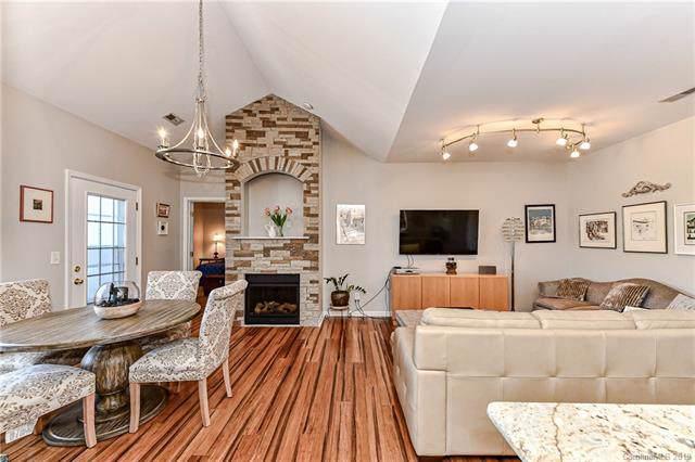 18711 Ruffner Drive 3A, Cornelius, NC 28031 (#3536669) :: MartinGroup Properties
